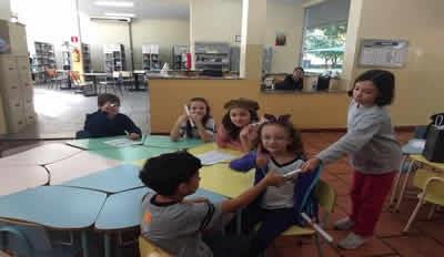 Alunos do 3º ano em: Recitando cordel