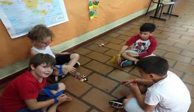 Alunos do 3º ano resgatam brincadeiras antigas
